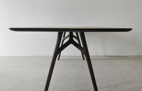 Furcula Dining Table