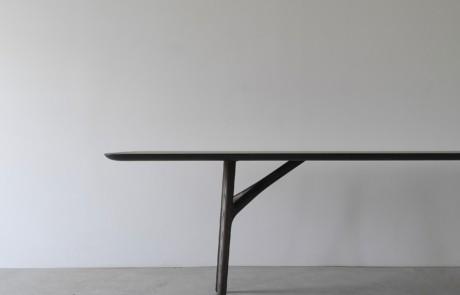 IZM FURCULA TABLE
