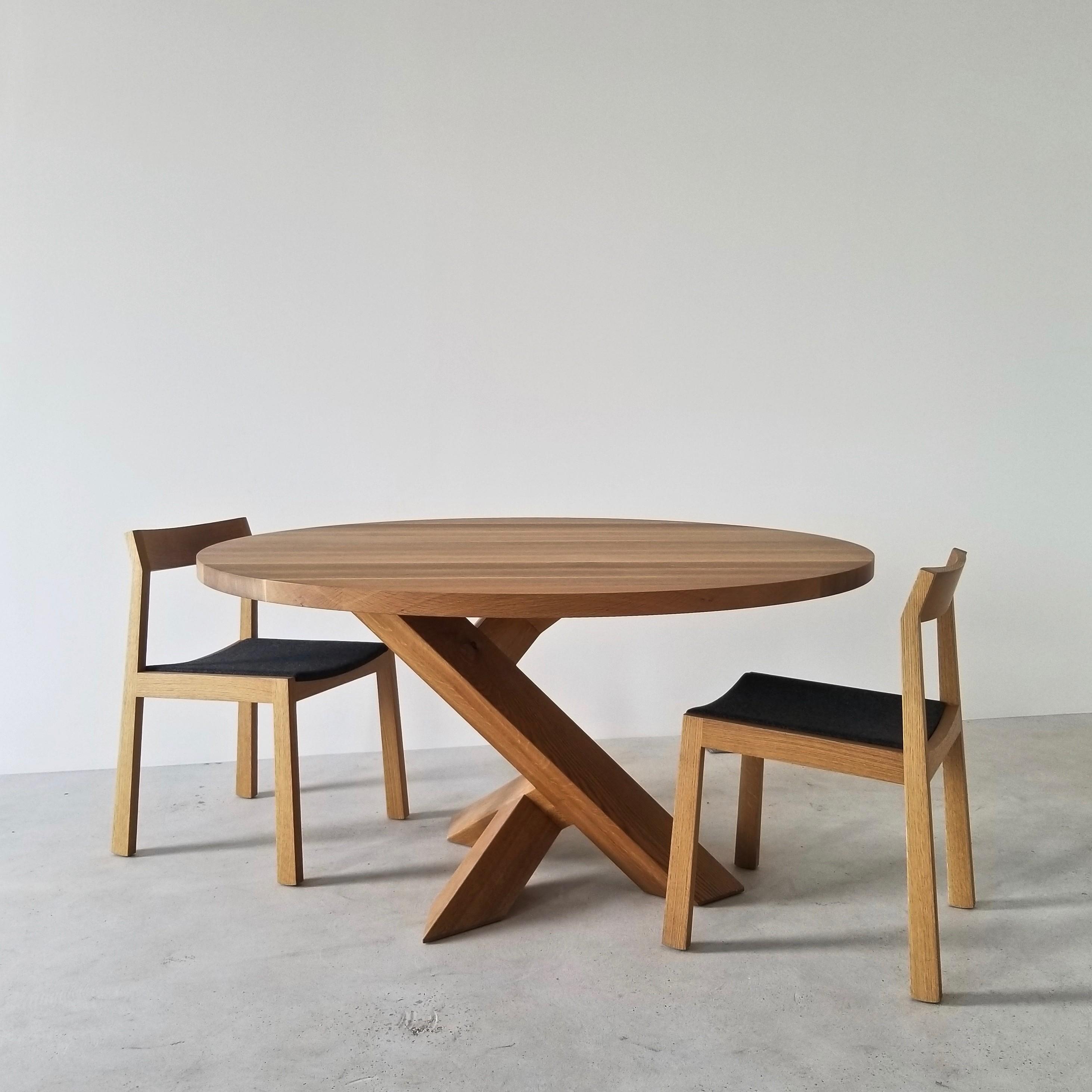 Iconoclast-Single-Leg Table